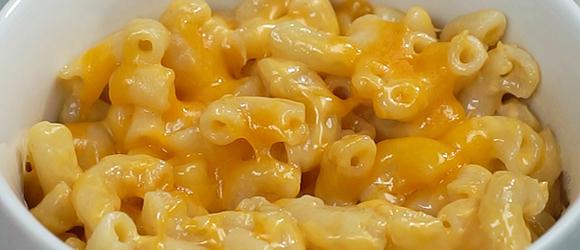 Macaroni et fromage maison au micro-ondes