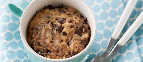 Biscuits au beurre d'arachide et au chocolat cuits au micro-ondes